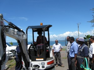 clyde_equipment_bobcat-mini-suva-council1